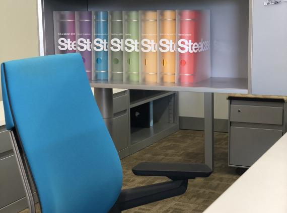 Detail Steelcase literature binders